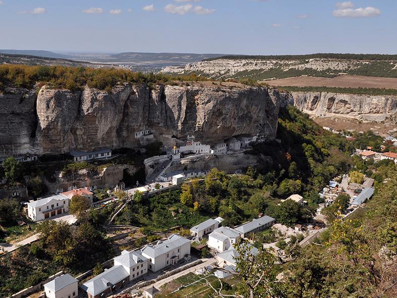 Панорама свято-Успенского Бахчисарайского монастыря
